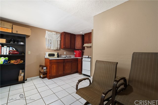 Active Under Contract | 811 W 99th St Los Angeles, CA 90044 13