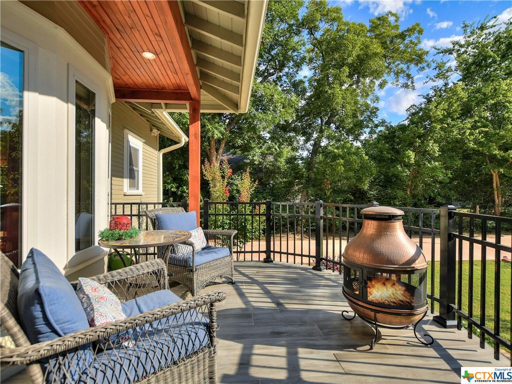 Pending | 1802 S Austin Avenue Georgetown, TX 78626 33