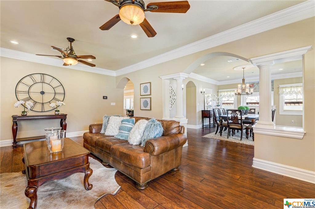 Pending | 1802 S Austin Avenue Georgetown, TX 78626 5