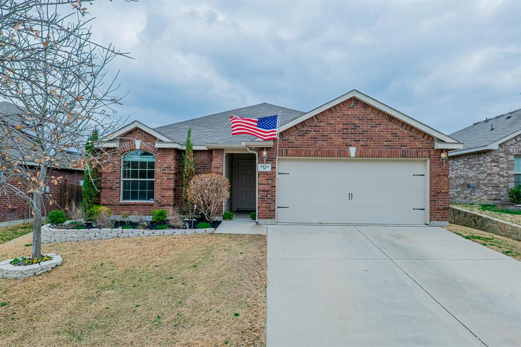 Pending | 1033 Long Pointe Avenue Fort Worth, Texas 76108 0