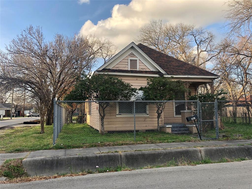 Off Market | 301 Bishop Street Houston, Texas 77009 10