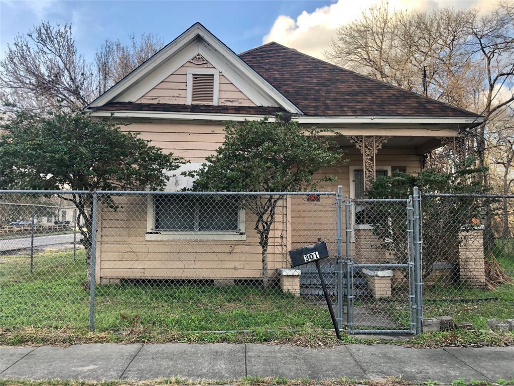 Off Market | 301 Bishop Street Houston, Texas 77009 11