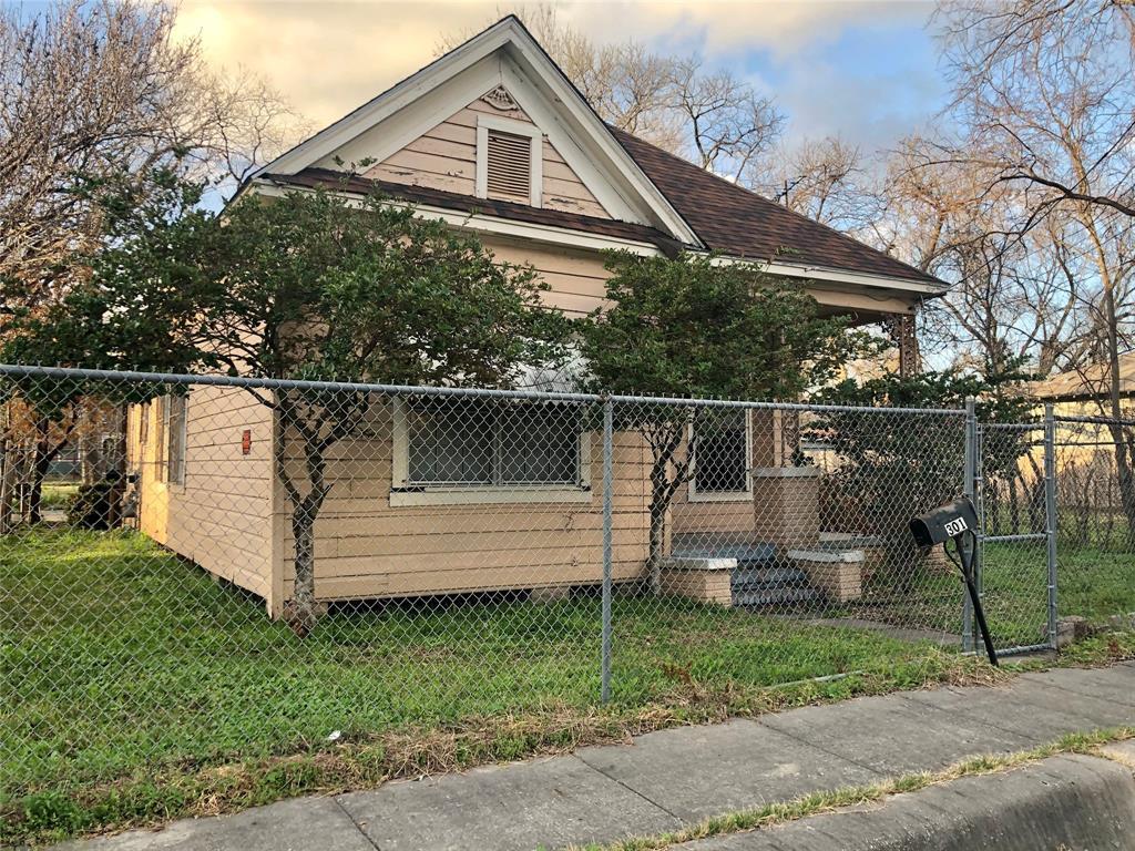 Off Market | 301 Bishop Street Houston, Texas 77009 12