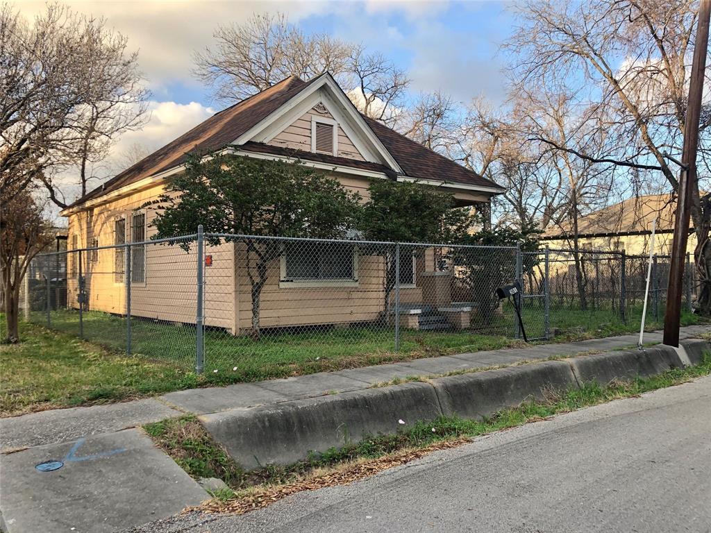 Off Market | 301 Bishop Street Houston, Texas 77009 13