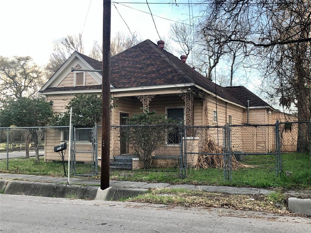 Off Market | 301 Bishop Street Houston, Texas 77009 2
