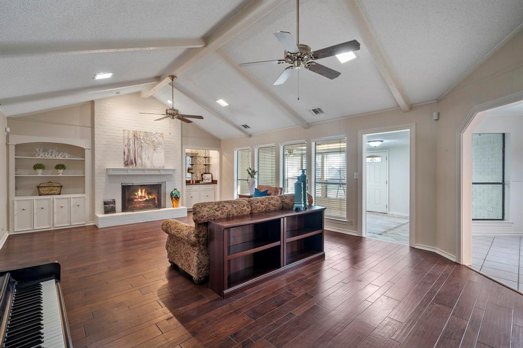 Sold Property | 4429 Quail Hollow Road Fort Worth, Texas 76133 6