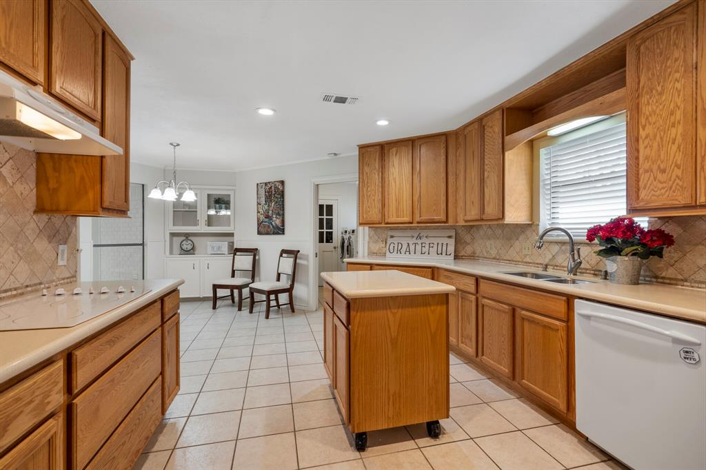 Sold Property | 4429 Quail Hollow Road Fort Worth, Texas 76133 7