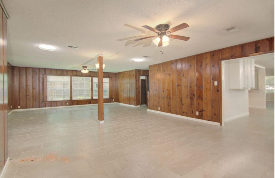 Active | 406 Wakefield Drive League City, Texas 77573 11