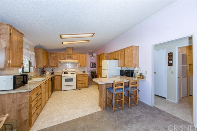 Active Under Contract | 33105 Santiago Road #23 Acton, CA 93510 9