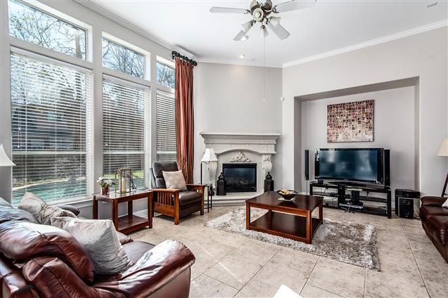 Active | 63 Nocturne Woods Place The Woodlands, Texas 77382 10