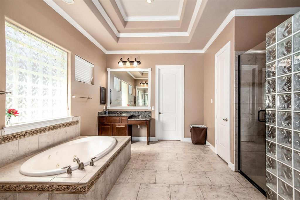 Active | 63 Nocturne Woods Place The Woodlands, Texas 77382 21
