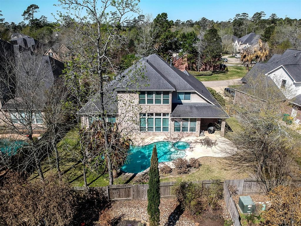 Active | 63 Nocturne Woods Place The Woodlands, Texas 77382 2