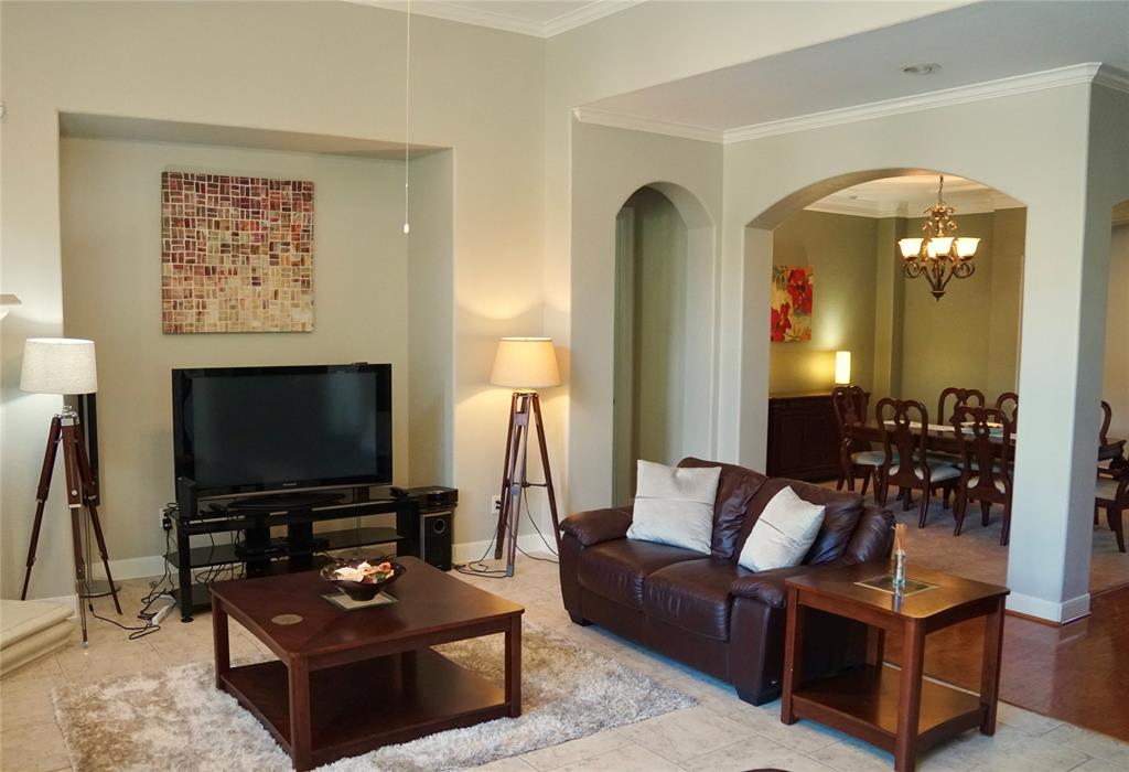 Active | 63 Nocturne Woods Place The Woodlands, Texas 77382 7