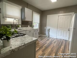 Active | 521 W RIDGEWOOD CT San Antonio, TX 78212 5