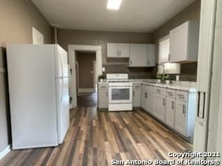 Active | 521 W RIDGEWOOD CT San Antonio, TX 78212 8