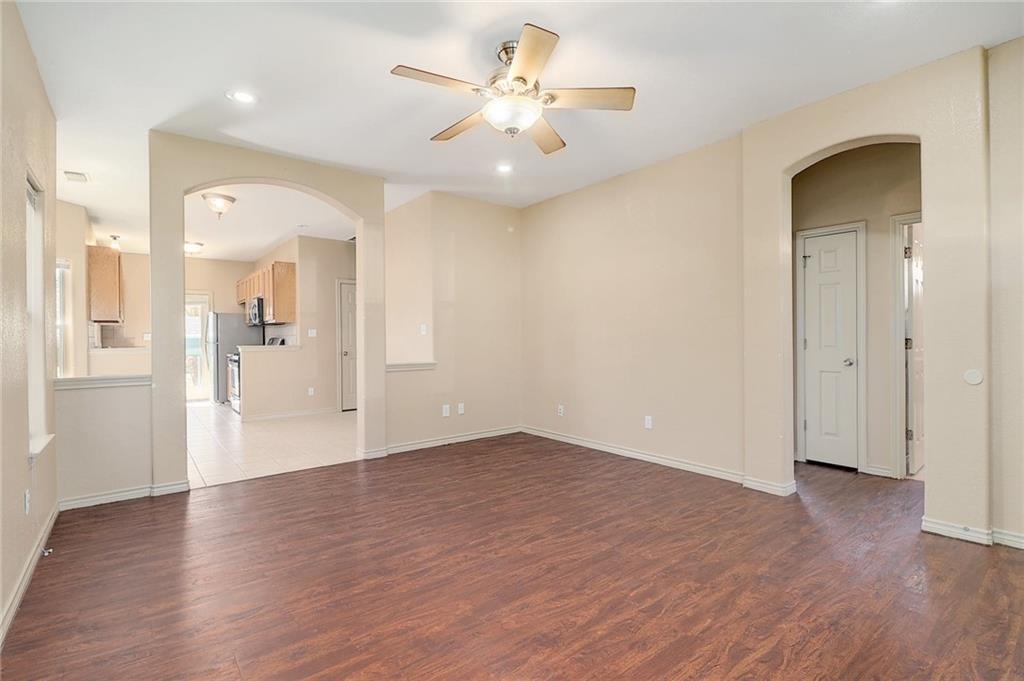 Closed   1606 E 19th Street Georgetown, TX 78626 3