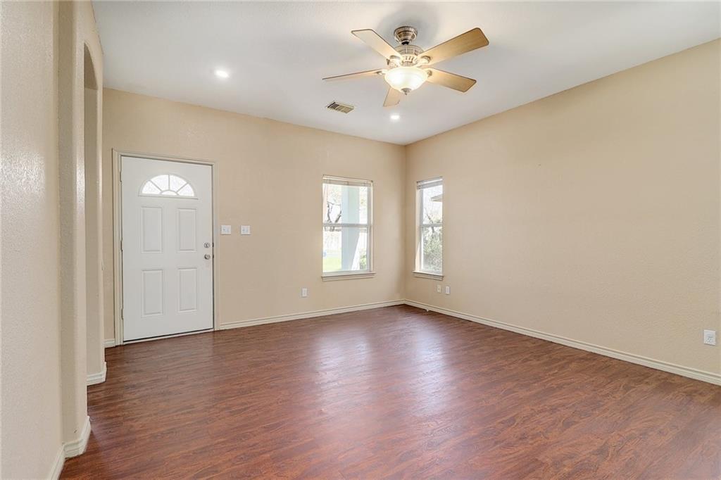 Closed   1606 E 19th Street Georgetown, TX 78626 5