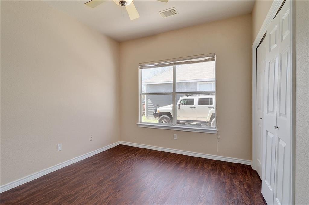 Closed   1606 E 19th Street Georgetown, TX 78626 19