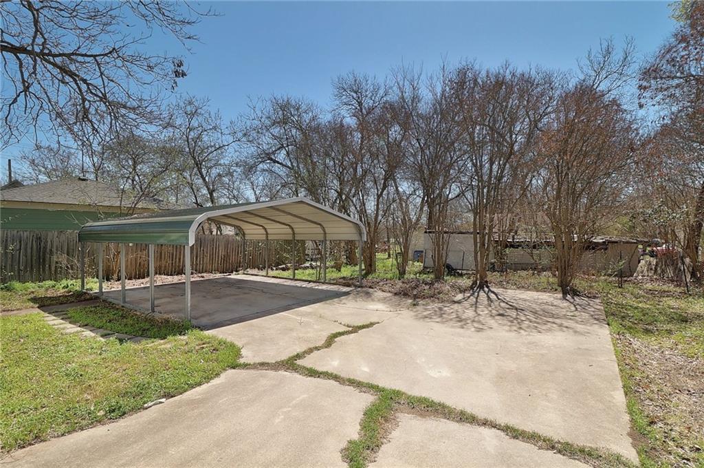 Closed   1606 E 19th Street Georgetown, TX 78626 23