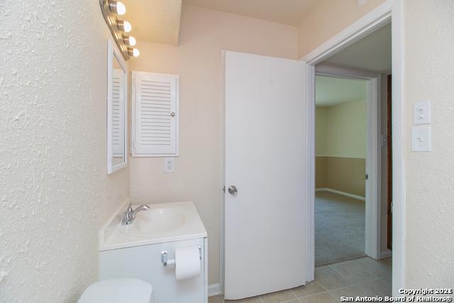 Pending SB | 170 DE CHANTLE RD #801 San Antonio, TX 78201 12