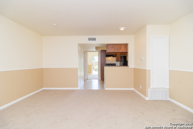 Pending SB | 170 DE CHANTLE RD #801 San Antonio, TX 78201 1