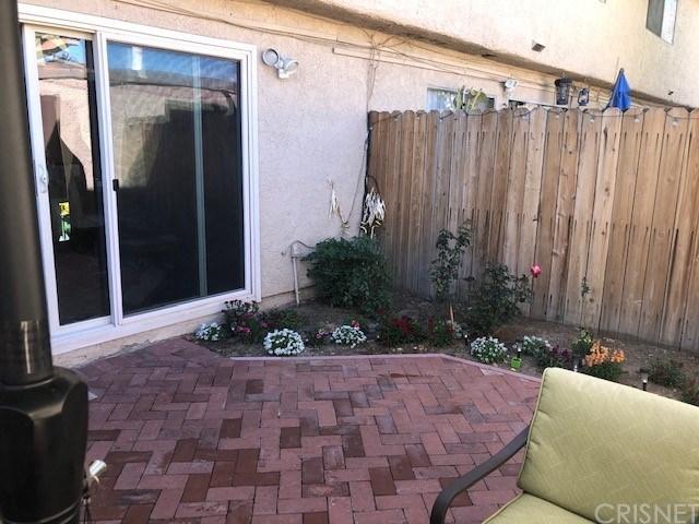 Pending | 20112 Runnymede Street #4 Winnetka, CA 91306 13