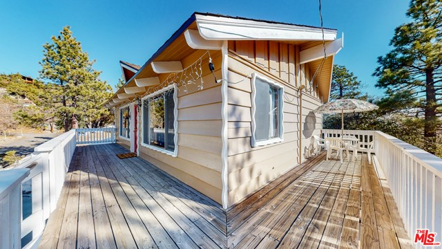 Closed | 33003 Piedras Grandes Drive Green Valley Lake, CA 92341 5