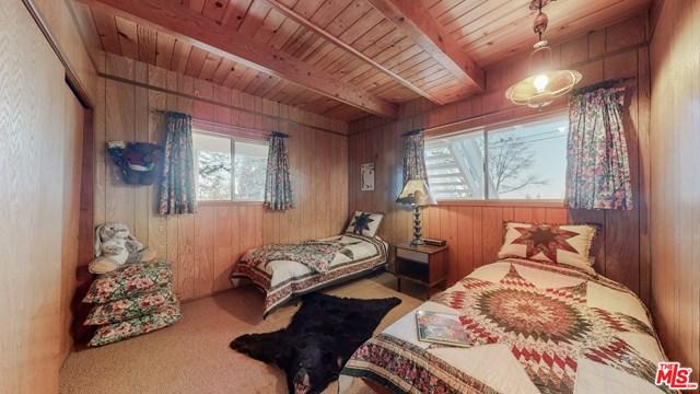 Closed | 33003 Piedras Grandes Drive Green Valley Lake, CA 92341 24