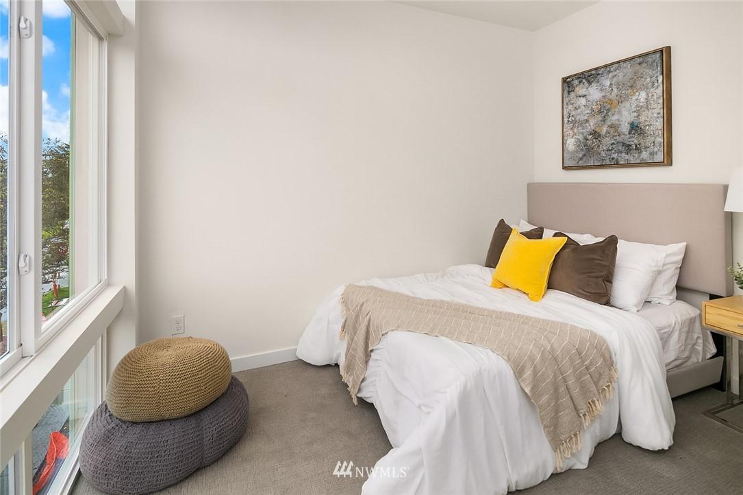 Sold Property | 9201 Linden Avenue N #F Seattle, WA 98103 14
