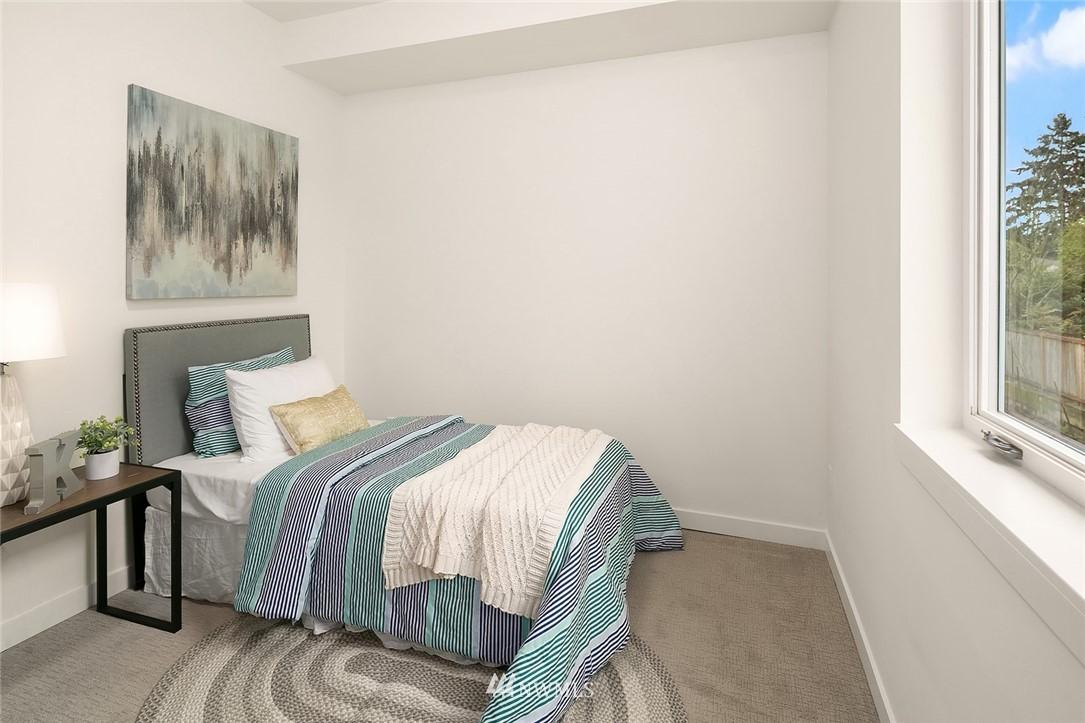 Sold Property | 9201 Linden Avenue N #F Seattle, WA 98103 16