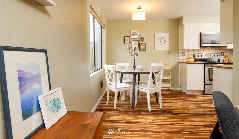 Sold Property | 10106 Greenwood Avenue N #202 Seattle, WA 98133 7