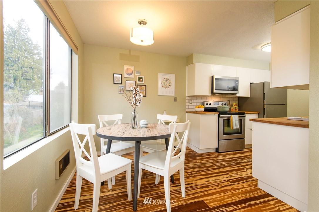 Sold Property | 10106 Greenwood Avenue N #202 Seattle, WA 98133 8