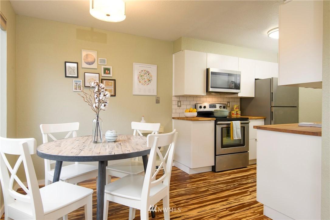 Sold Property | 10106 Greenwood Avenue N #202 Seattle, WA 98133 9