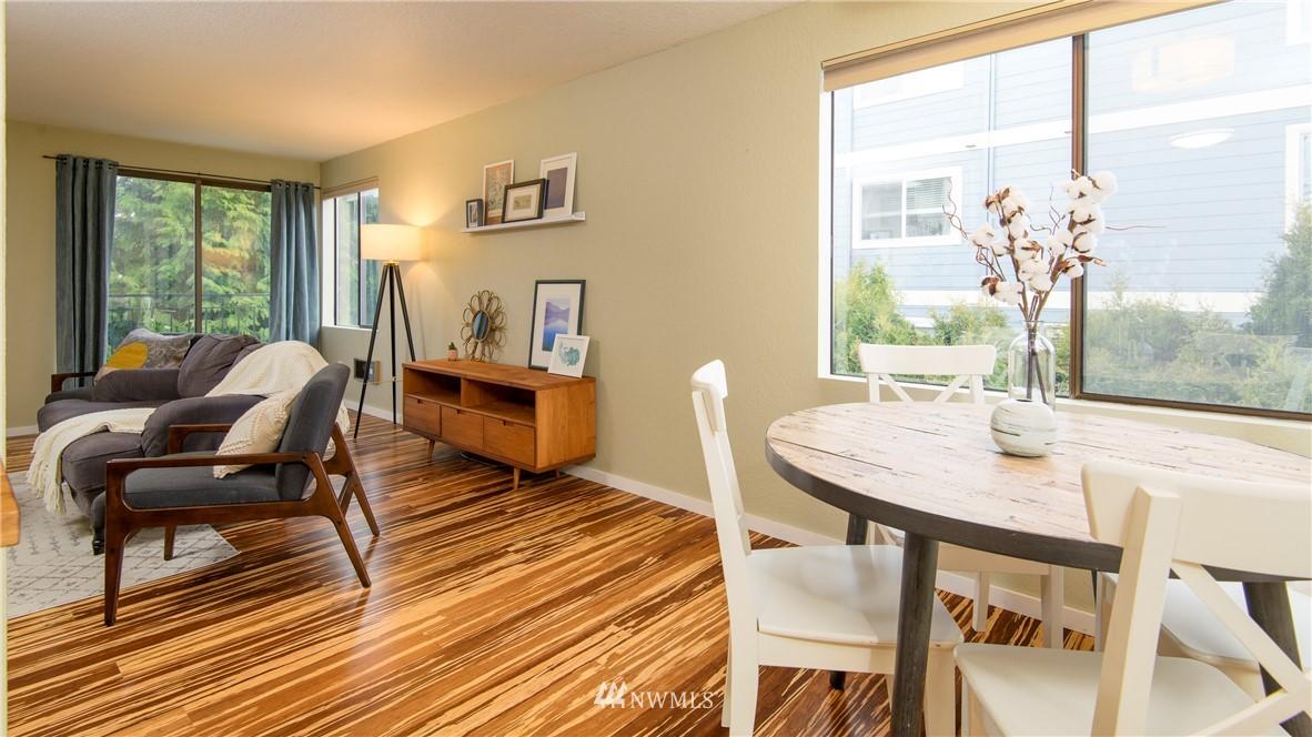 Sold Property | 10106 Greenwood Avenue N #202 Seattle, WA 98133 10