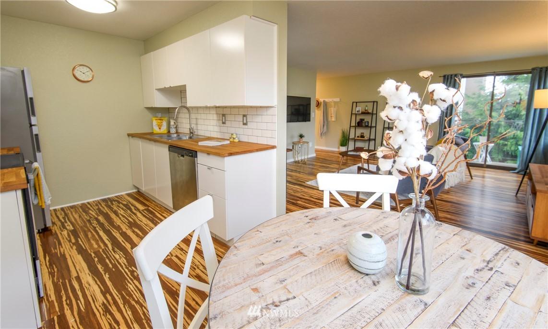 Sold Property | 10106 Greenwood Avenue N #202 Seattle, WA 98133 11