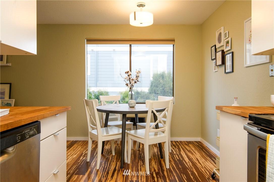 Sold Property | 10106 Greenwood Avenue N #202 Seattle, WA 98133 17