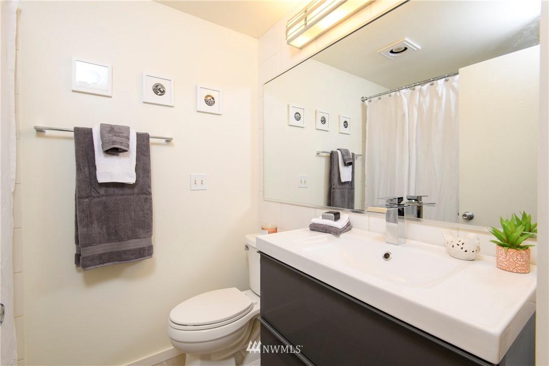 Sold Property | 10106 Greenwood Avenue N #202 Seattle, WA 98133 19
