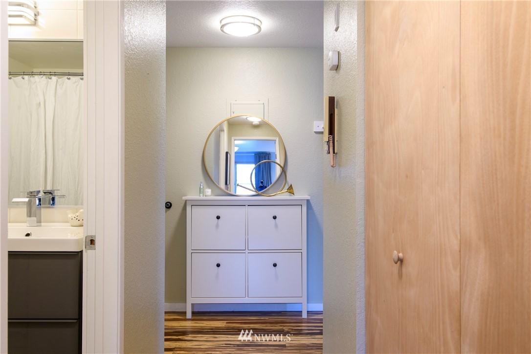 Sold Property | 10106 Greenwood Avenue N #202 Seattle, WA 98133 20