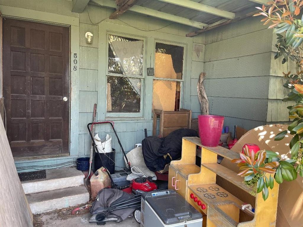 Option Pending | 506 N Thomason Street Willis, Texas 77378 11