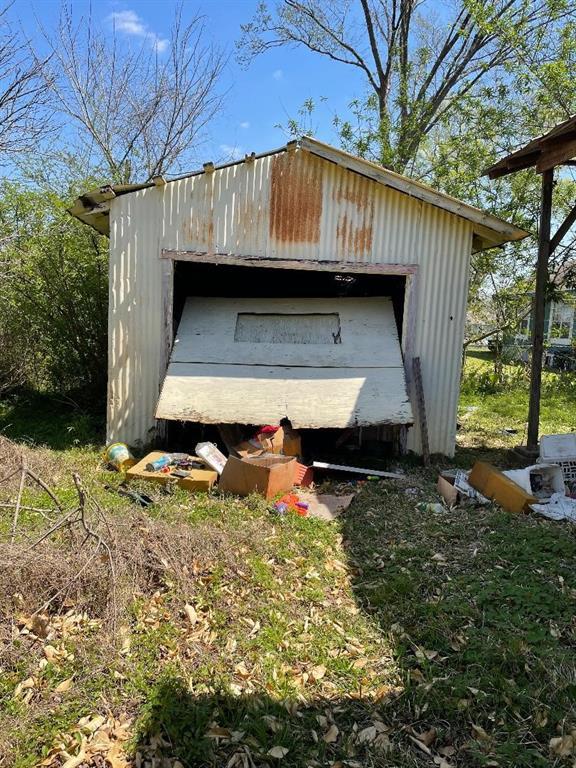 Option Pending | 506 N Thomason Street Willis, Texas 77378 5