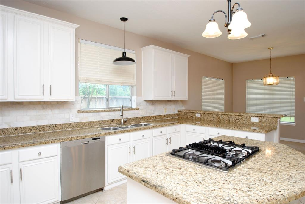 Active   12214 Lakewood Valley Court Cypress, Texas 77429 26