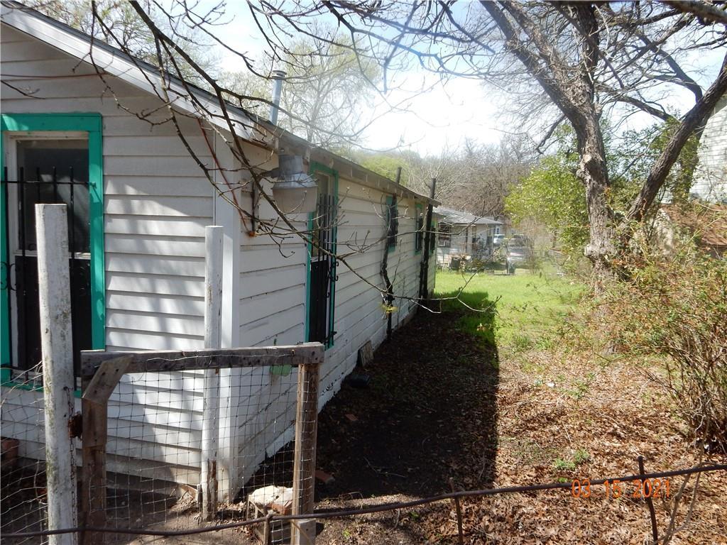 Active   1226 Eleanor Street Austin, TX 78721 6
