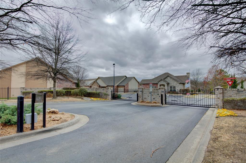 Off Market | 4608 S Hawthorn Avenue Broken Arrow, Oklahoma 74011 47