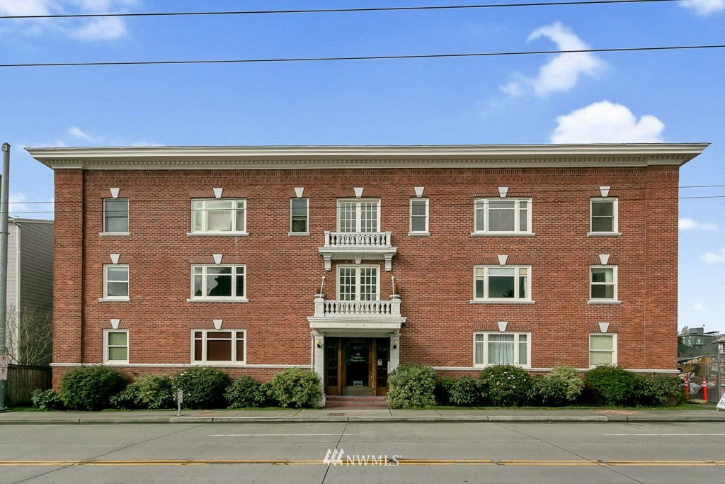 Sold Property | 4725 15th Avenue NE #27 Seattle, WA 98105 0