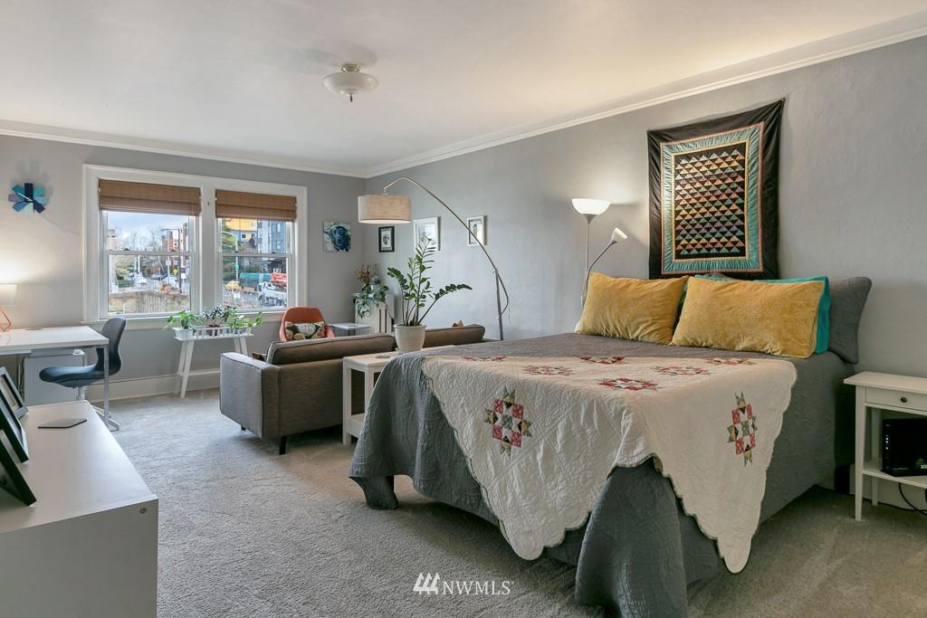 Sold Property | 4725 15th Avenue NE #27 Seattle, WA 98105 1