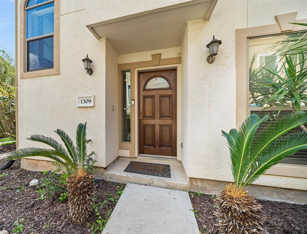 homes for sale in washington corridor | 1309 Birdsall Street Houston, Texas 77007 5