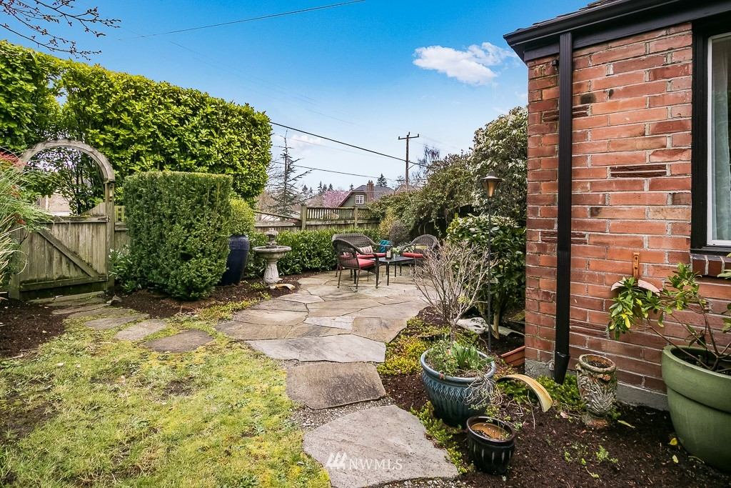 Sold Property | 8002 20th Avenue NE Seattle, WA 98115 18