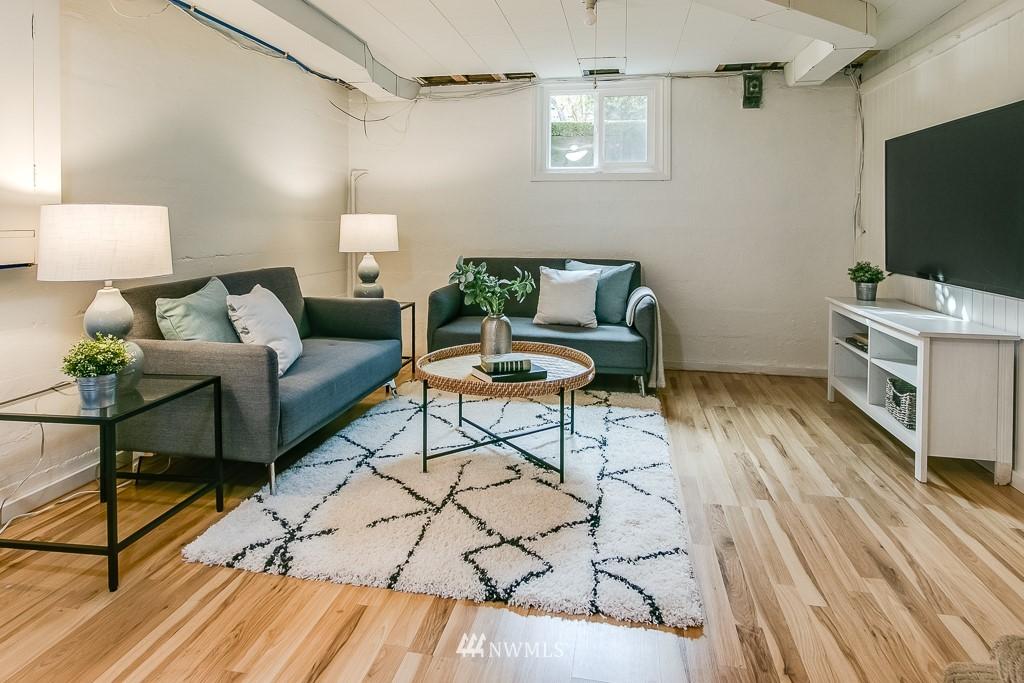 Sold Property | 8002 20th Avenue NE Seattle, WA 98115 11