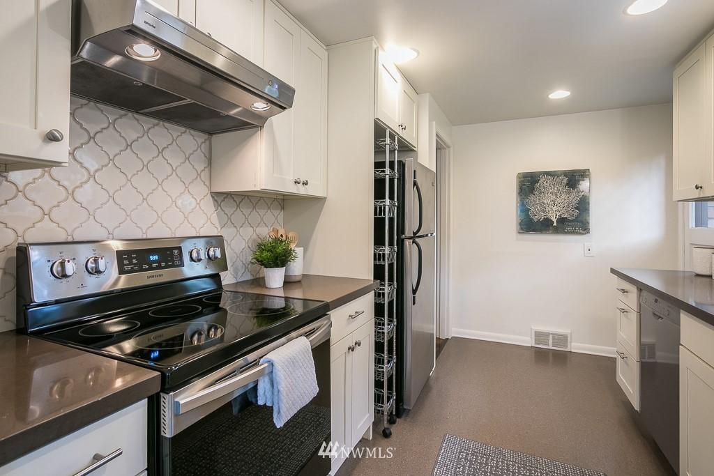 Sold Property | 8002 20th Avenue NE Seattle, WA 98115 7