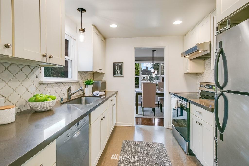 Sold Property | 8002 20th Avenue NE Seattle, WA 98115 6